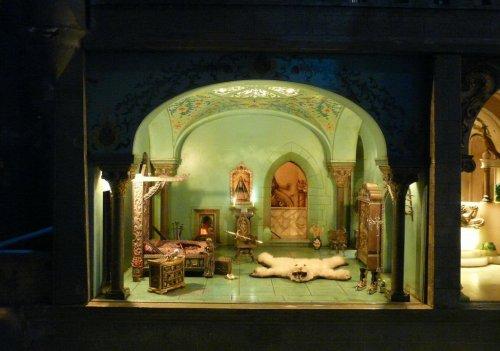 Знаменитый кукольный домик Коллин Мур (11 фото)