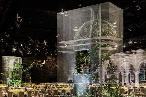 Призрачная проволочная инсталляция для королевского мероприятия в Абу-Даби (17 фото)