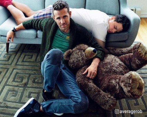 Мастер фотошопа Average Rob, которого в присутствии знаменитостей клонит ко сну (8 фото)
