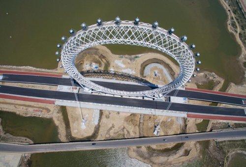 Необычное колесо обозрения открывается в Китае (5 фото + видео)