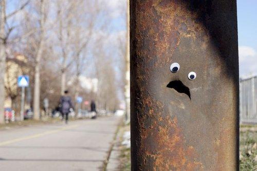 """Болгарский художник украшает город """"бегающими глазками"""" (29 фото)"""