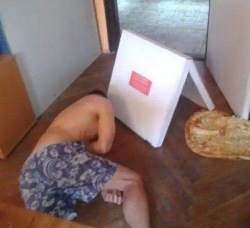15 человек, у которых с пиццей как-то не заладилось (15 фото)