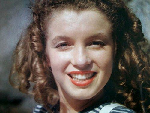 Редкие фотографии Мэрилин Монро, сделанные задолго до её всемирной известности (30 шт)