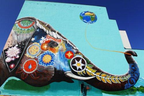 Стрит-арт по всему миру (17 фото)