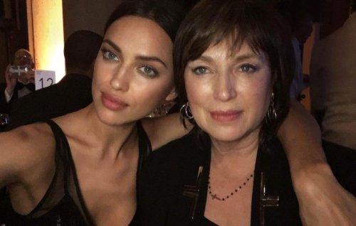 Знаменитости со своими мамами (11 фото)