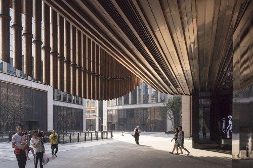 Движущийся фасад Финансового центра на набережной Вайтань в Шанхае (10 фото + видео)
