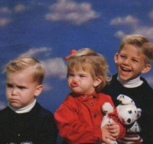 Забавные и нелепые семейные фотографии (24 фото)