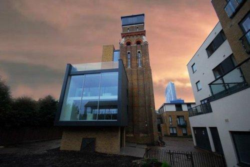 Заброшенная водонапорная башня, переделанная в современное жильё (10 фото)