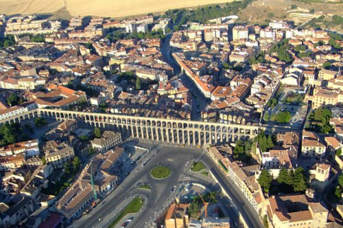 Акведук в Сеговии (12 фото)
