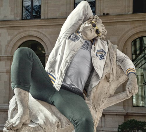 Классические скульптуры, облачённые в хипстерскую одежду (14 фото)