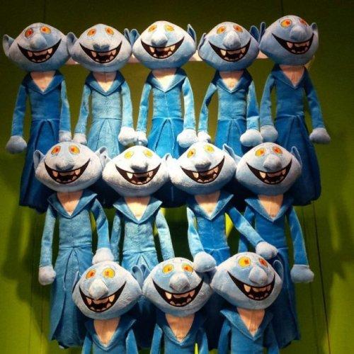 Приколы и маразмы в магазинах: странные и жуткие игрушки (22 фото)