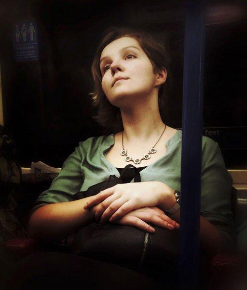 Портреты пассажиров лондонского метро в стиле эпохи Возрождения (7 фото)