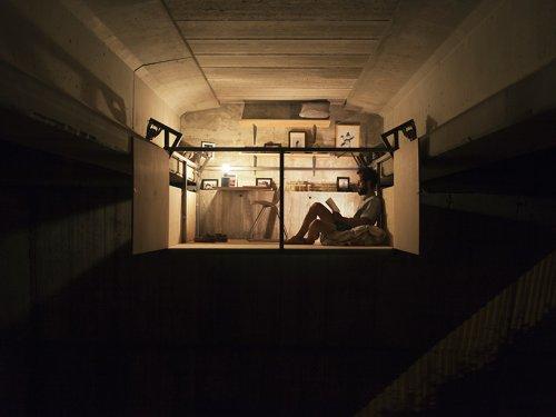 Испанский дизайнер построил потайную студию под мостом в Валенсии (10 фото + видео)