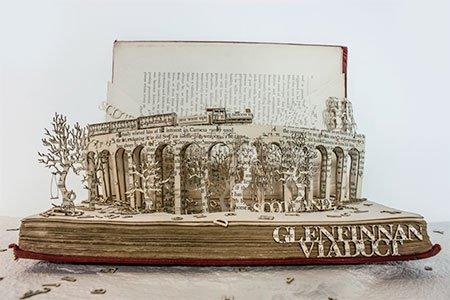 Трёхмерные скульптуры из старых книг (13 фото)