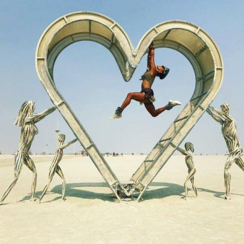 Девушки на фестивале Burning Man (26 фото)