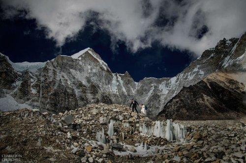 Свадебная церемония на Эвересте (17 фото)