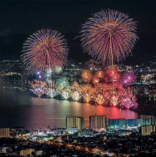 Великолепные фотографии с летних фестивалей фейерверков в Японии (7 фото)