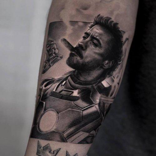 Невероятно реалистичные чёрно-белые татуировки Айнала Берсекова (17 фото)