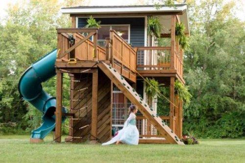 Замечательный игровой домик для дочерей (11 фото)