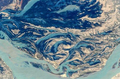 Потрясающие снимки, сделанные космонавтом Сергеем Рязанским с борта МКС (30 фото)