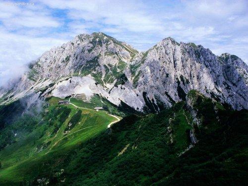 Швейцарская компания Swiss Alpine Air продаёт чистейший горный воздух Альп (3 фото)