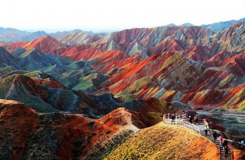Удивительные места нашей планеты с неповторимым ландшафтом (9 фото)