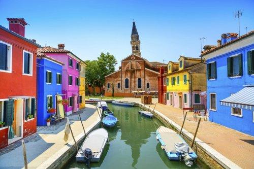 Яркие краски итальянского Бурано (23 фото)