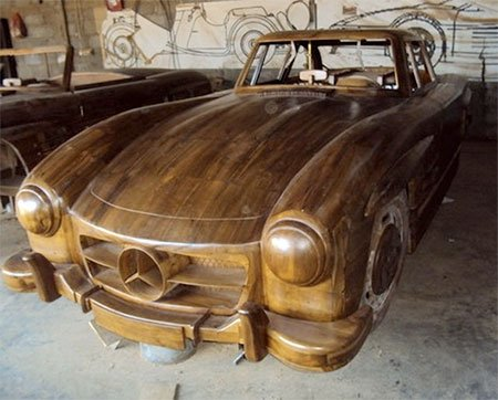 Деревянный Mercedes-Benz 300SL Gullwing 1955 (8 фото)