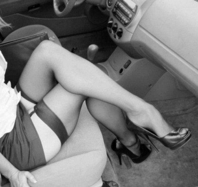 Секс с сексуальной девушкой на каблуках благодарю
