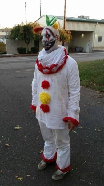 По-настоящему пугающие костюмы на Хэллоуин (21 фото)