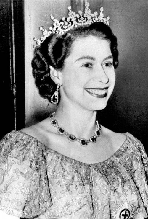 ТОП-25: Царственные факты о королеве Елизавете II, которые, возможно, вы не знали