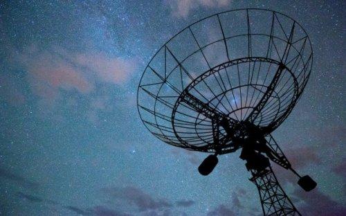ТОП-10: Нелепые слухи, теории и утверждения о Сатурне