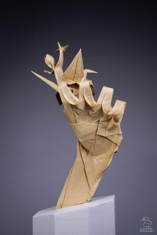 Зарождение оригами: художник сложил четыре элемента из одного листа бумаги (3 фото)