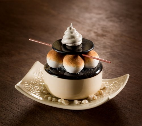 Реалистичные десерты из фарфора и стекла от Шайны Лейб (10 фото)
