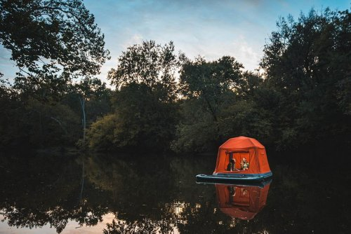 Плавучая палатка: мечта (или кошмар) каждого туриста (7 фото)