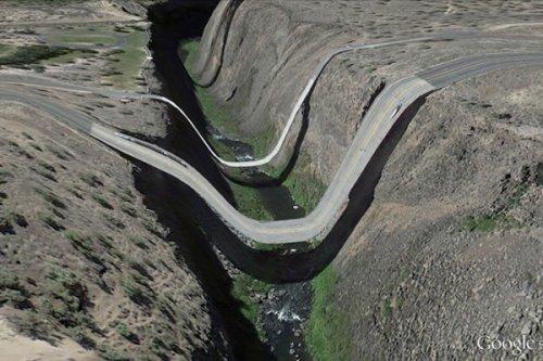 Причудливые глюки в приложении Google Earth, делающие наш мир похожим на сюрреалистические картины (10 фото)