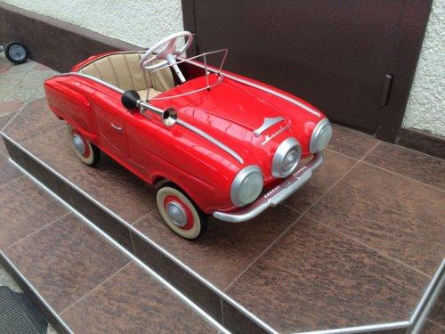 Автомобильный энтузиаст восстанавливает детские педальные машины времён СССР (32 фото)
