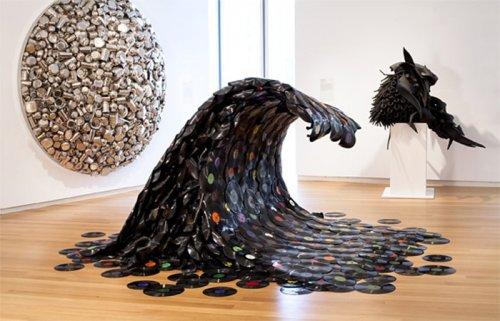 Произведения искусства, созданные из неожиданно необычных материалов (27 фото)