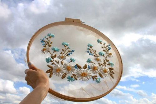 Прозрачная вышивка от Krista Decor (15 фото)