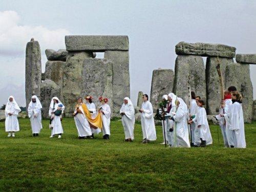 Топ-25: самые необыкновенные религии в мире, о которых мало кто знает