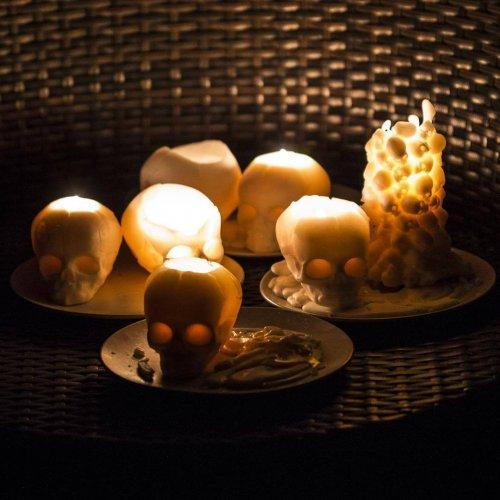 Ароматические свечи со скелетами (10 фото)
