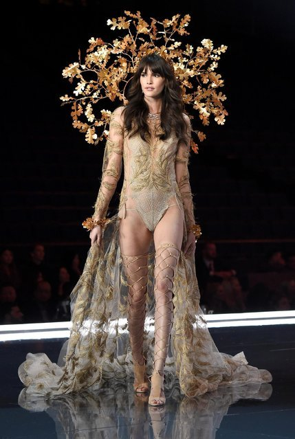 Модный показ Victoria's Secret Fashion Show 2017 в Шанхае (35 фото)