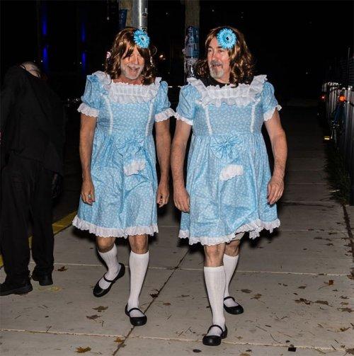 Знаменитости в хэллоуинских костюмах (21 фото)