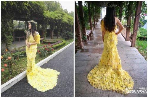 Китайские студенты потратили 6 месяцев на создание платья из 6000 листьев (10 фото)