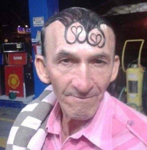 Причудливые и смешные стрижки и причёски (13 фото)