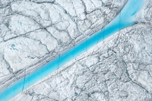Тающие гренландские узоры в аэроснимках Даниэля Белтра (10 фото)