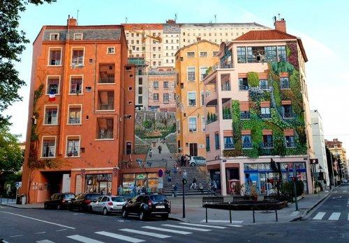 Невероятное преображение фасада здания с помощью настенной живописи (3 фото)