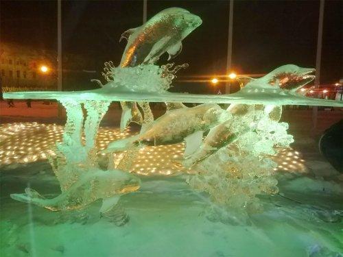 Потрясающие ледяные скульптуры Даррена Джексона (9 фото)