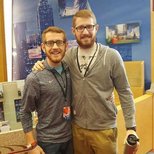 Люди, встретившие своих двойников (25 фото)
