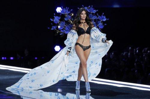 Модный показ Victoria's Secret Fashion Show 2017 в Шанхае (35 фото)